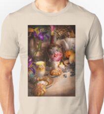 Tea Party - The magic of a tea party  Unisex T-Shirt
