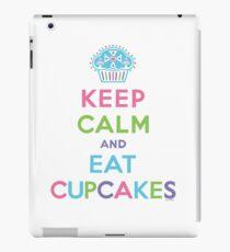 Keep Calm and Eat Cupcakes     iPad Case/Skin