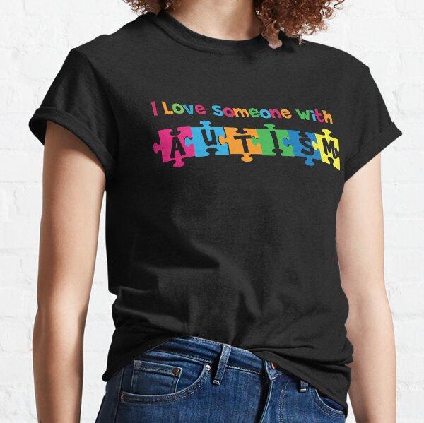 q Amo a alguien con autismo - Conciencia Camiseta clásica
