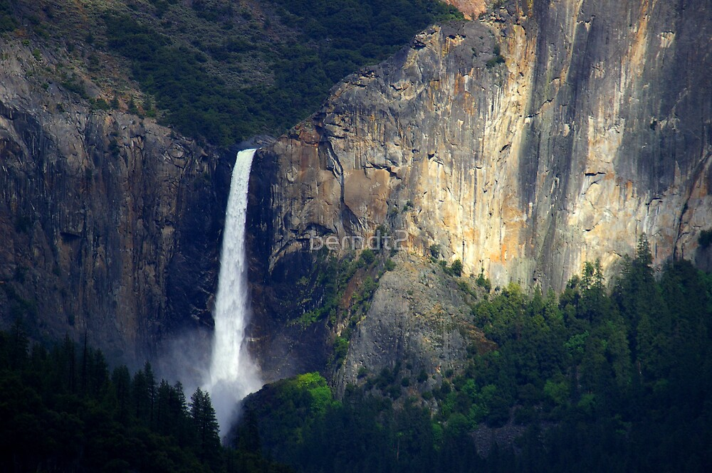 Yosemite Falls (Close) by berndt2