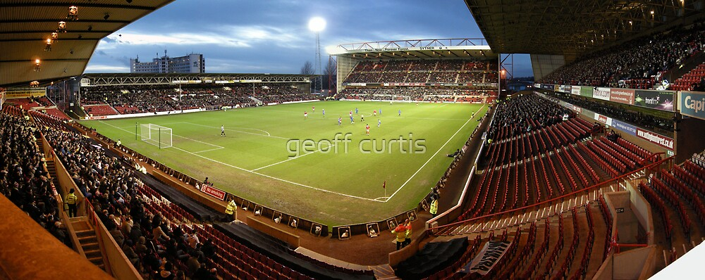 Nottingham Forest Football Club by geoff curtis