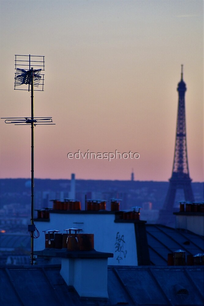 Eiffel tower by edvinasphoto