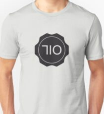 710 OIL cap (black) Unisex T-Shirt