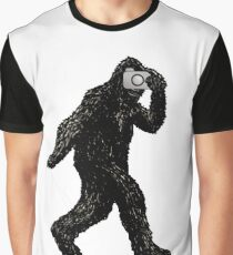 Bigfoot With Camera - Funny Sasquatch Selfie Portrait Photography Graphic T-Shirt