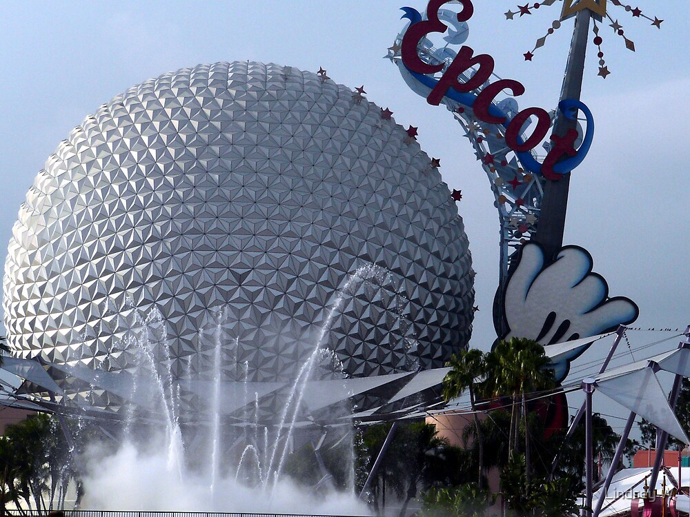 Epcot. <3 by Lindsey W