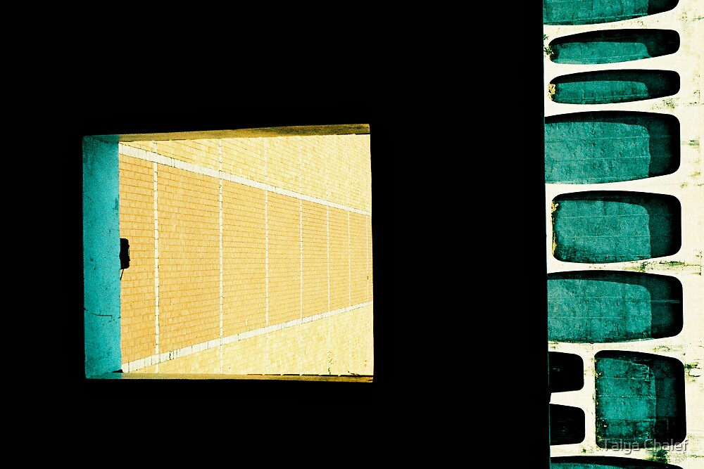 through a window and onto a square - geometry in buildings by Talya Chalef