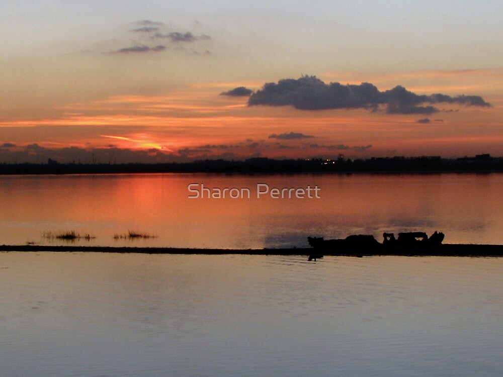Sunset 19-12-07 by Sharon Perrett