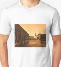 Albert Dock And the 3 Graces Unisex T-Shirt