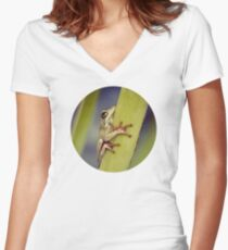 Arum lily frog Women's Fitted V-Neck T-Shirt
