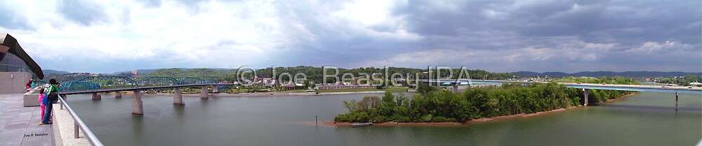 Panoramic view of north shore Chattanooga Tennessee by © Joe  Beasley IPA