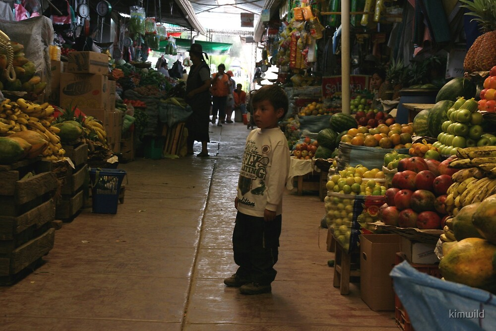 Child in the fruit market by kimwild