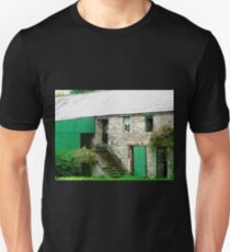 Old stone barn, Donegal, Ireland T-Shirt