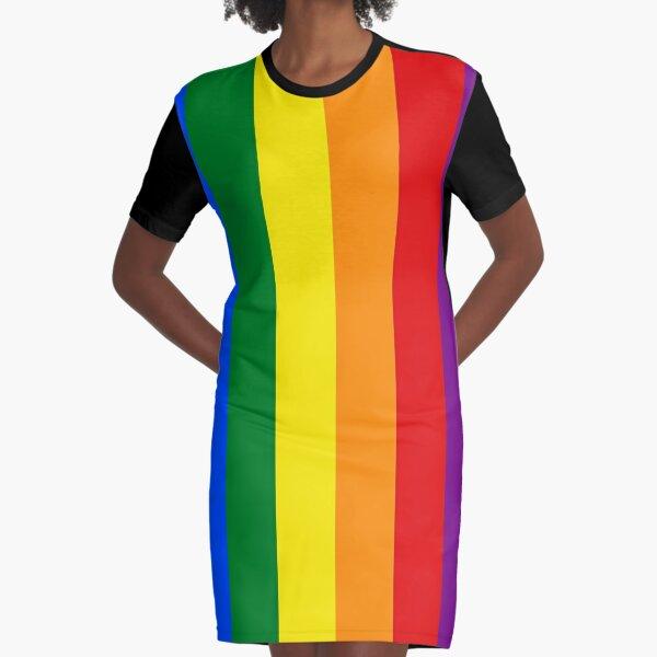 Vertikale Gay-Pride-Regenbogen-Flagge T-Shirt Kleid