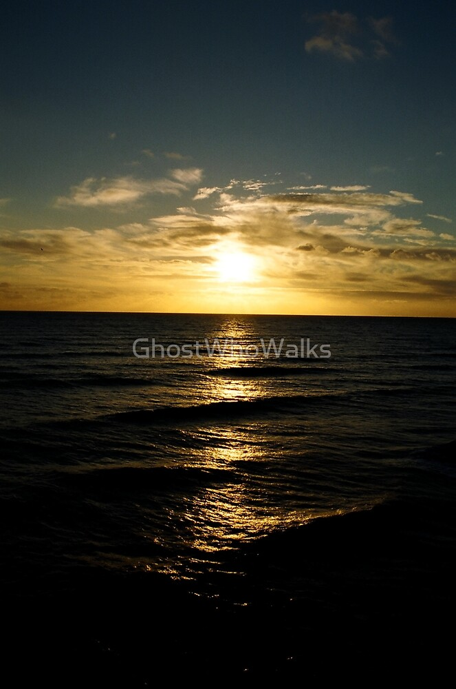 Golden Descent by GhostWhoWalks