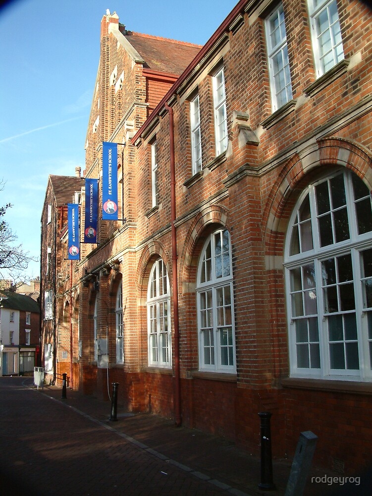 Ye Olde School by rodgeyrog