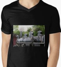 Steam train engine, Wales Men's V-Neck T-Shirt