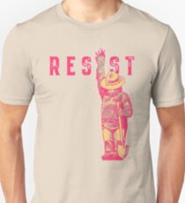 bear resits T-Shirt