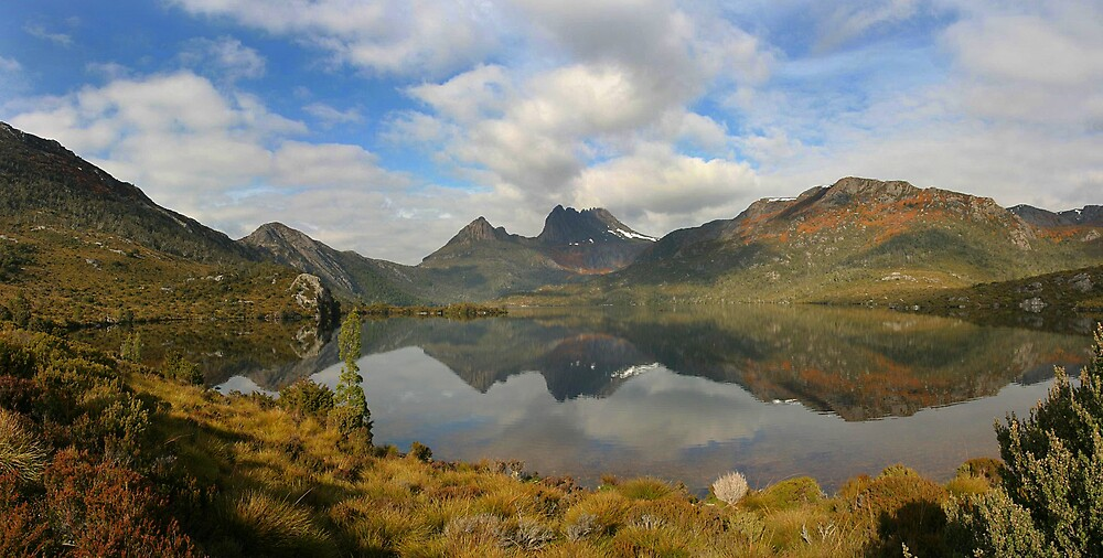 Cradle Mountain by Ian Robertson