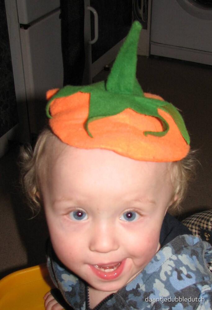 A happy carrot... by daantjedubbledutch