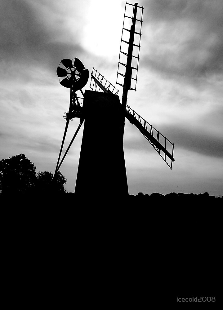 Turf Fen drainage mill - B&W by icecold2008