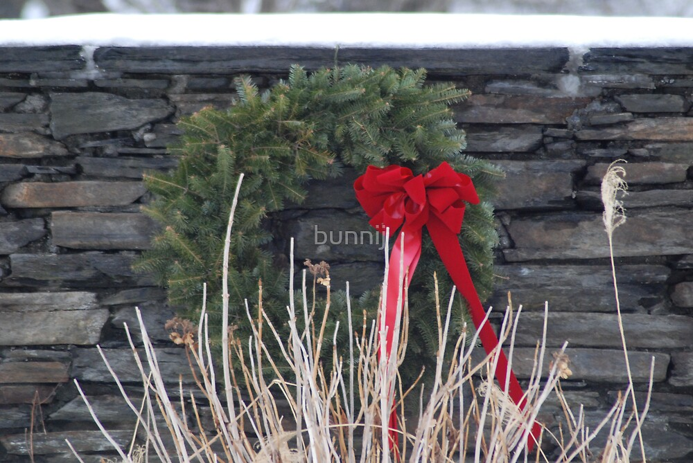 Stone Wall Wreath by bunnij