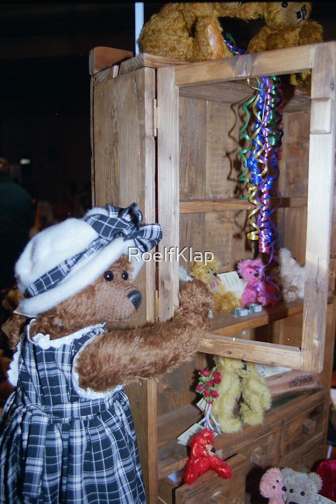 Teddy bear fair by RoelfKlap