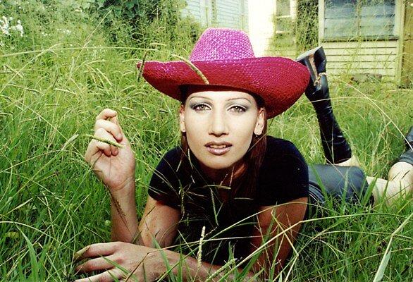 Urban cowgirl by sarahsez