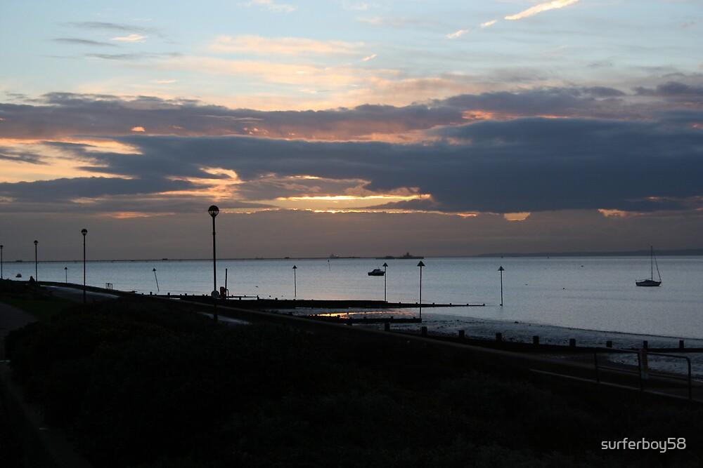 Southend Sunrise by surferboy58