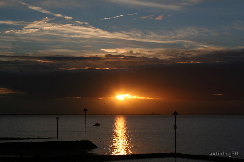 Southend Sunrise1 by surferboy58