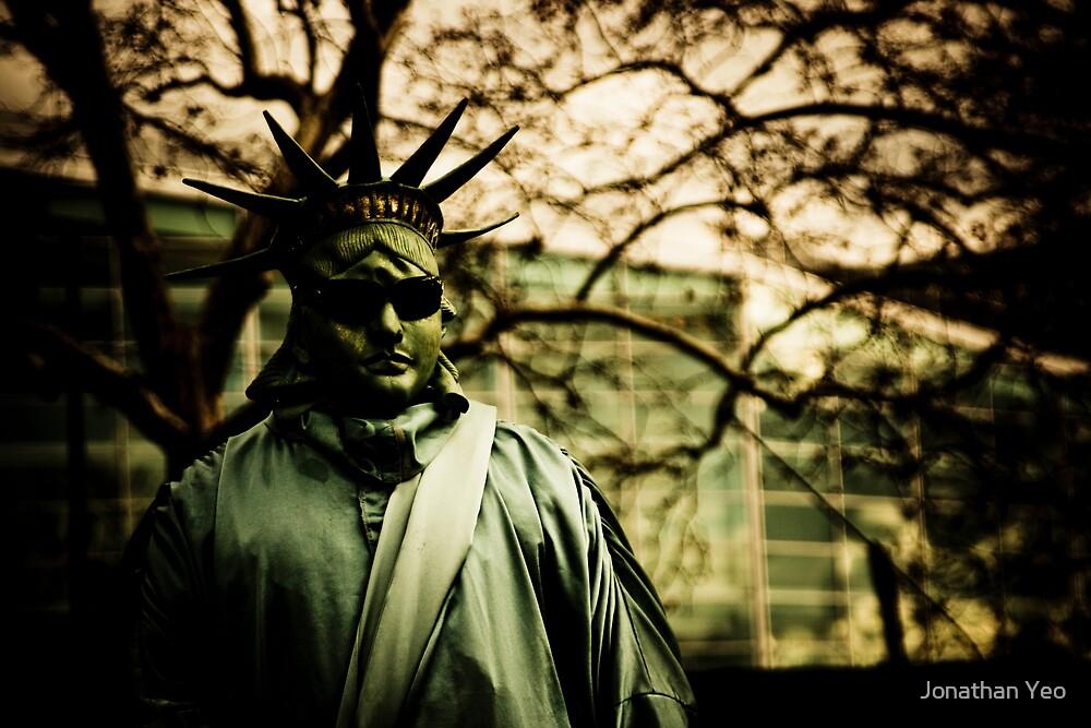 Fake Statue of Liberty by Jonathan Yeo