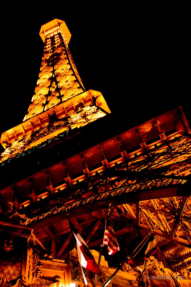 Le Eiffel Tower by Jonathan Yeo