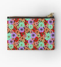 Flowers and Daisys Pattern Studio Pouch
