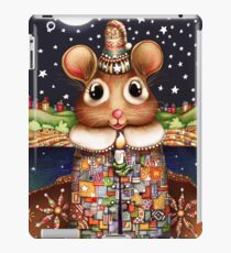 Little Bright Eyes the Radiant Christmas Mouse iPad Case/Skin