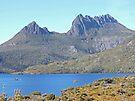 Cradle Mountain over Dove Lake by Graeme  Hyde