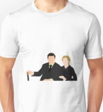 DA: Anna e Bates Unisex T-Shirt