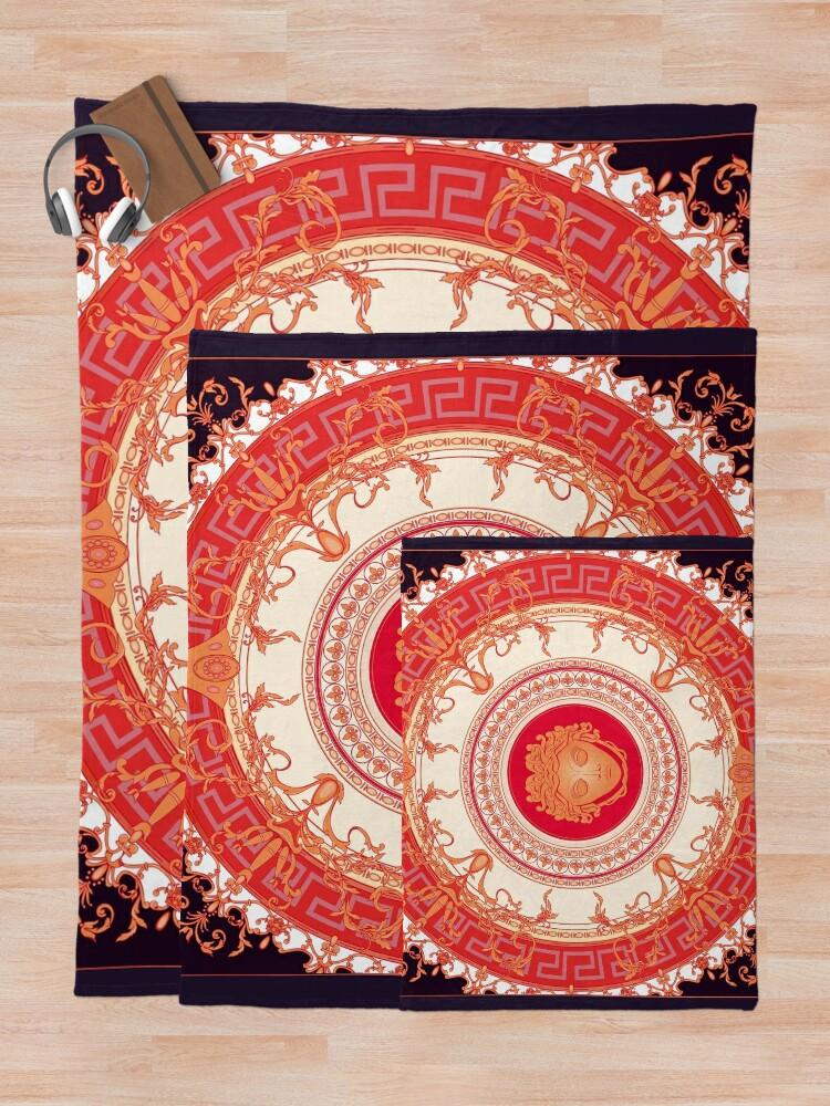 Alternative Ansicht von Versace inspiriert Design mit Medusa - Red Fleecedecke