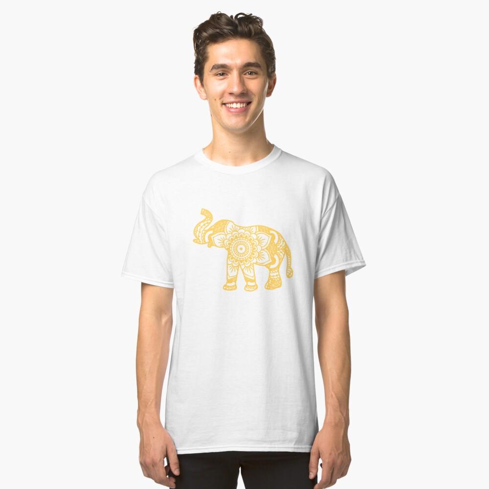 Mandala Elephant Yellow Camiseta clásica