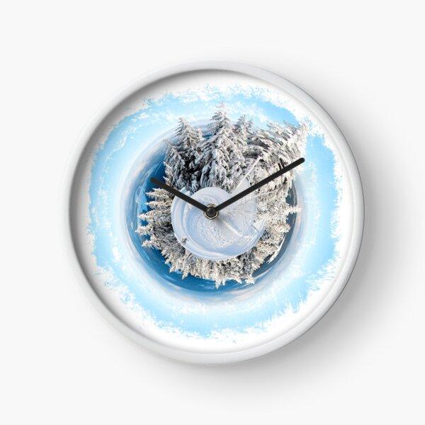 Winter World 9 Clock