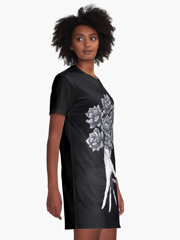Alternative Ansicht von Hand with lotuses on black T-Shirt Kleid