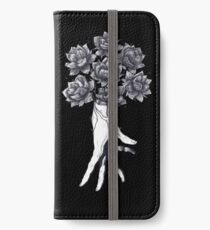 Vinilo o funda para iPhone Hand with lotuses on black