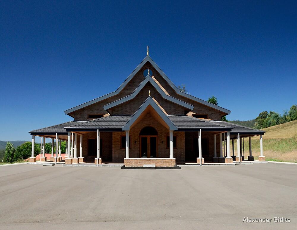 Modern Thai Temple by Alexander Gitlits