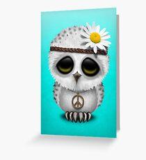 Nettes Baby Snowy Owl Hippie auf Blau Grußkarte