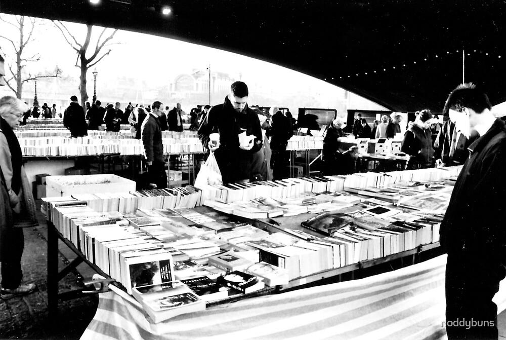 Book Sale, London by noddybuns