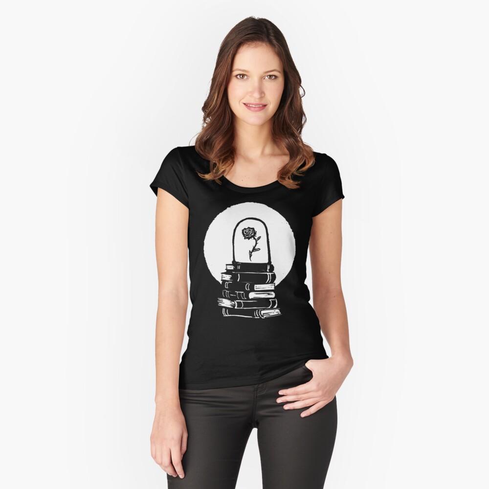 Rose Tailliertes Rundhals-Shirt