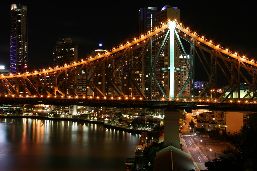 Story Bridge at night. by bjshearn