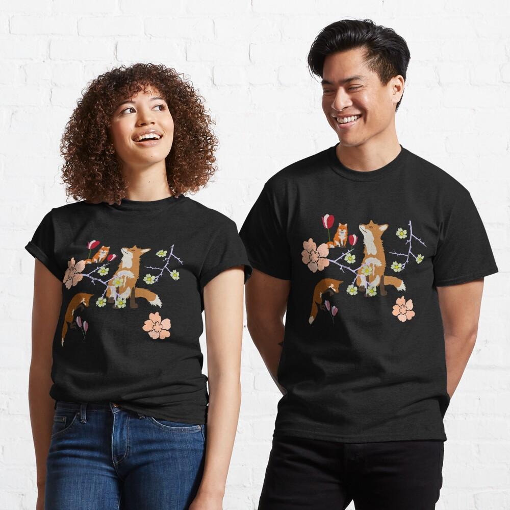 Fox in flowers Classic T-Shirt