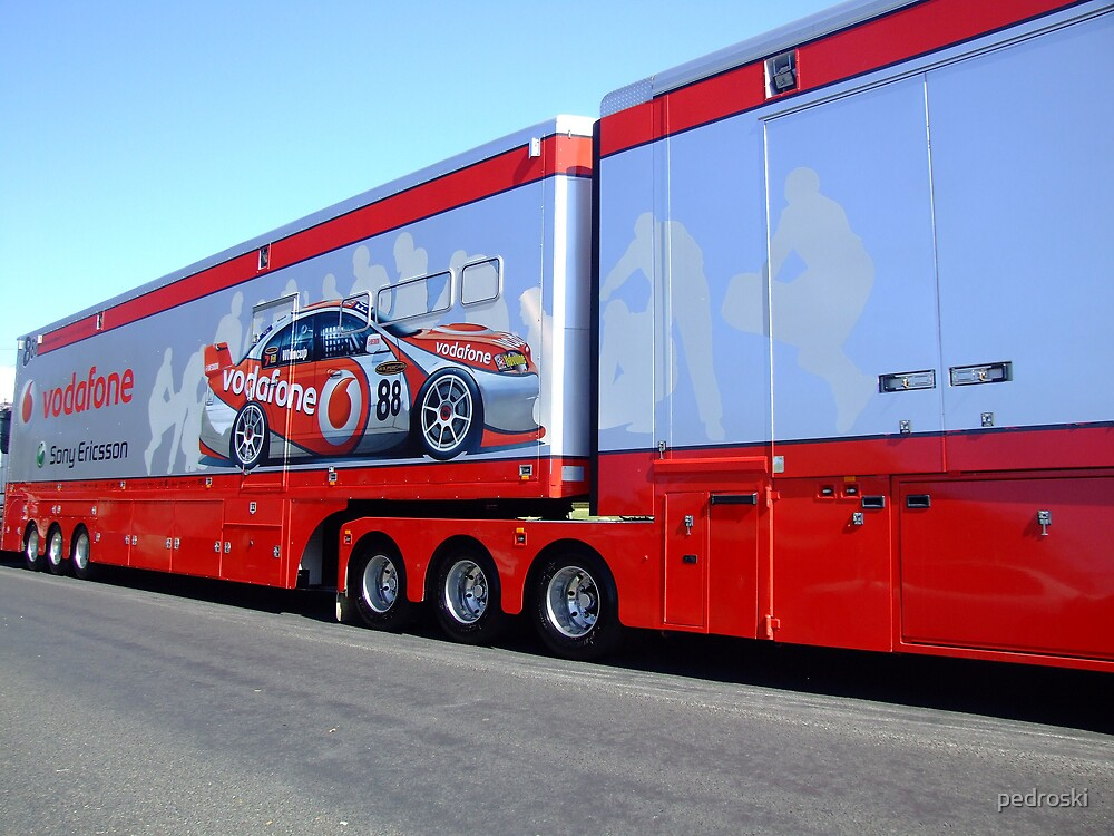 Vodafone Pantech at Mt Panorama Bathurst by pedroski
