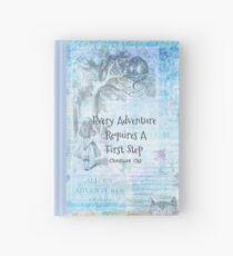 """Alice im Wunderland """"Jedes Abenteuer erfordert einen ersten Schritt"""" Zitat Notizbuch"""