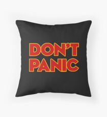 Dont Panic -  the hitchhikers Throw Pillow