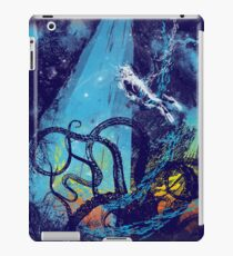 diving danger iPad Case/Skin
